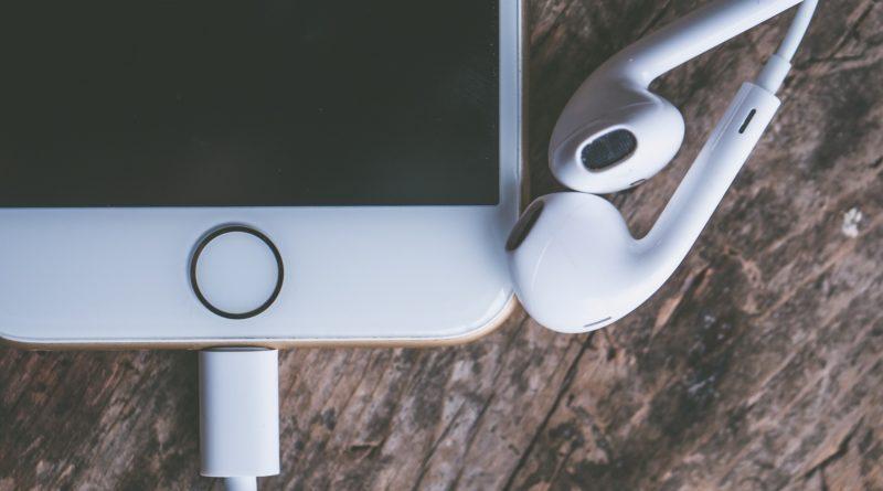 Co warto wiedzieć na temat kabli do iPhona?
