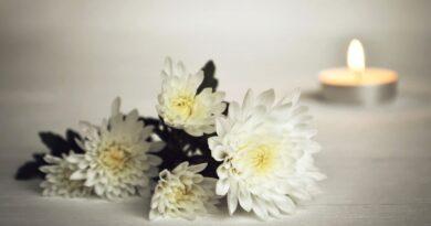 Czym cechuje się pogrzeb świecki?